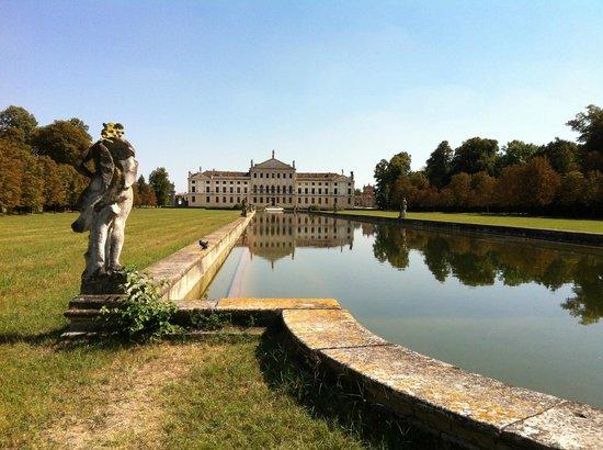 Museo Nazionale di Villa Pisani: Vista della Villa
