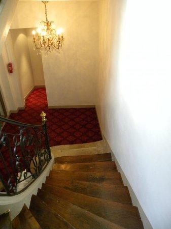 Hotel d'Angleterre, Saint Germain des Pres: Le scale in legno