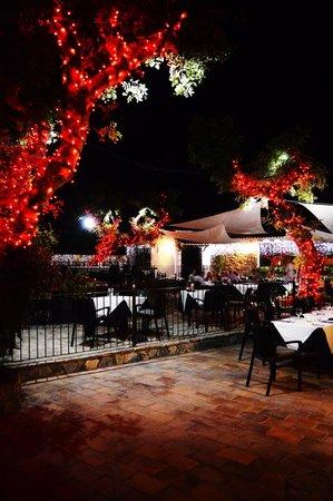 La Finca Restaurant: evening dining