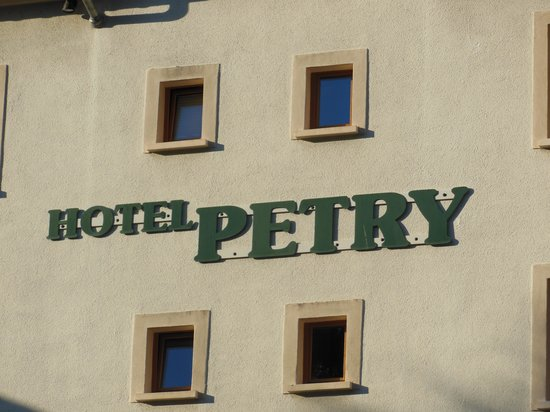 Hotel Petry: the hotel