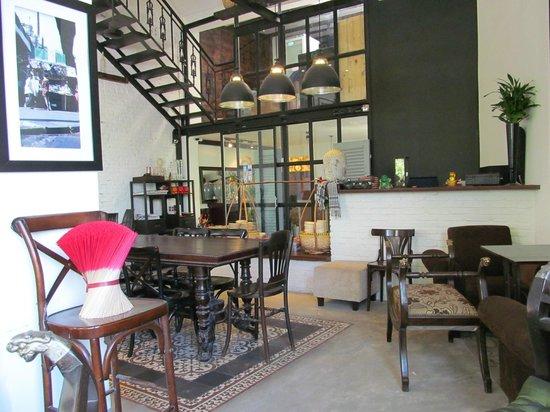 Photo of Cafe La Rotonde Cafeteria De La Rotonde at 77b Ham Nghi, 1st Floor, District 1, Ho Chi Minh City 70000, Vietnam