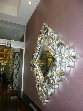 Carlton Hotel Budapest: Entrance