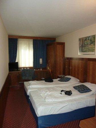 Carlton Hotel Budapest : Room