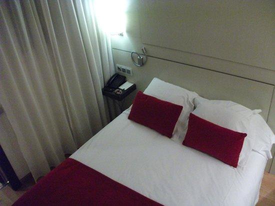 Grupotel Gravina: Smaller room 2