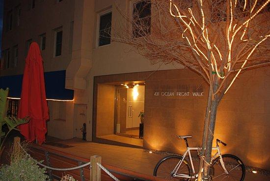 Su Casa Venice Beach: entrance