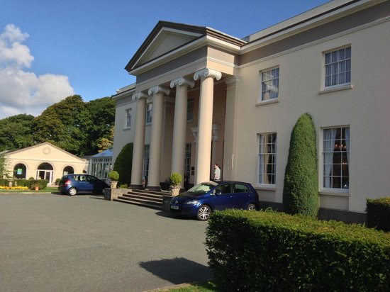 Best Western Lamphey Court Hotel & Spa: Grand entrance