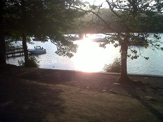 Storrs Gate House: The view at sunset on the lake walk
