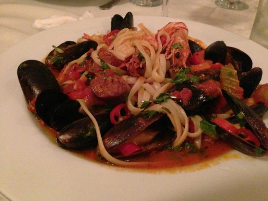 Restaurant 69: Muscles, King Prawn and Chorizo Pasta... Loads of!