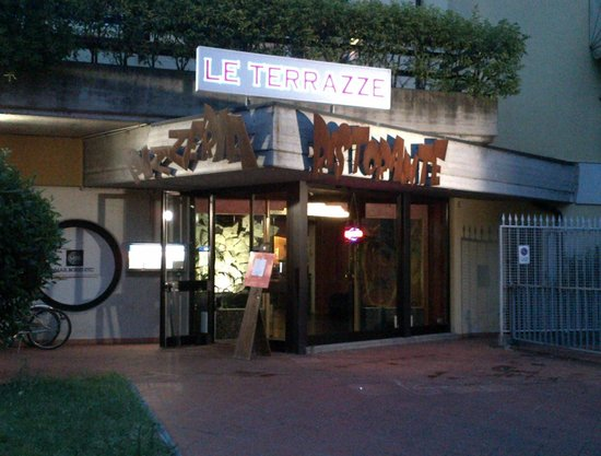 AMAZING PIZZA - Review of Le Terrazze, Desenzano Del Garda, Italy ...