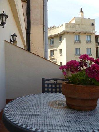 Hotel Roger De Lluria Barcelona: Balcony