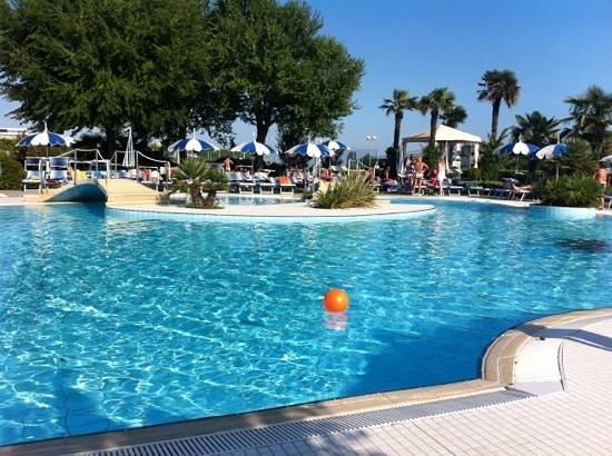 Hotel Majestic Beach: piscina
