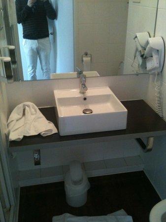 Le Kleber Hotel : bagno seconda stanza