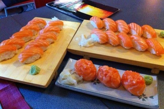 Itouke: nighiri salmone e gunkan