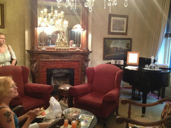 Foley House Inn: The Parlor
