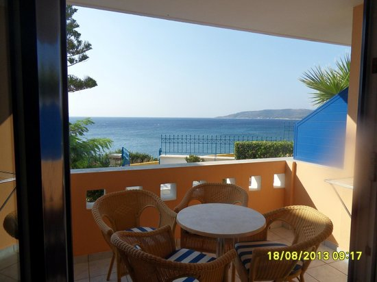 Sea Breeze Hotel Apartments: Our balcony