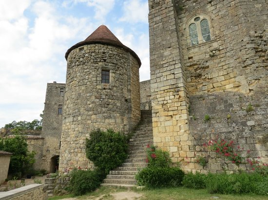 Chateau de Langoiran: tour ronde