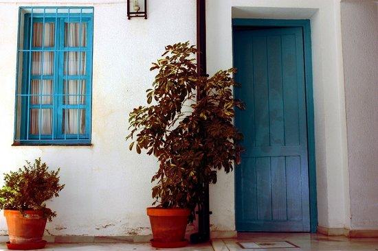 Casual Sevilla de las Letras : Alhondiga24 Sevilla Hostel Patio