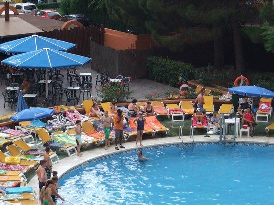 Ohtels Belvedere: A piscina