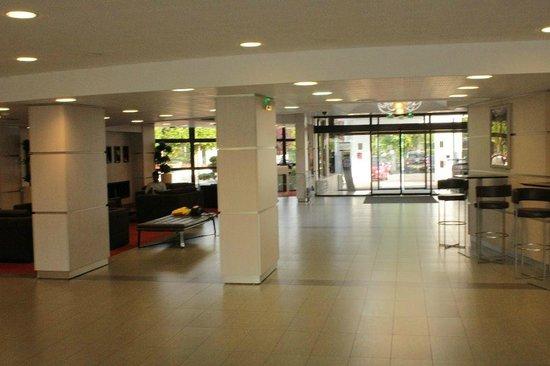 Novotel Marne La Vallee Collegien: Lobby