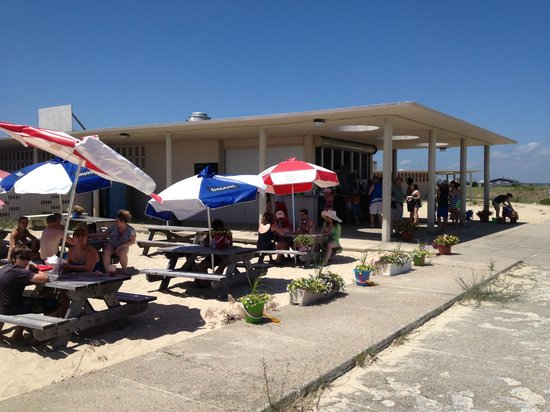 Dune Dogs Par and Grill : Join us at the best Beach Shack around!
