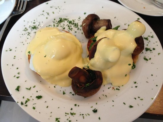 The Roseate Villa Bath: Eggs Benedict