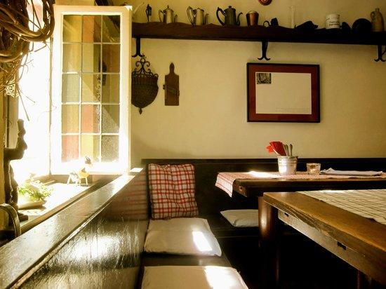 La Jeunesse - Weinstube & Restaurant: Auch tagsüber geöffnet...