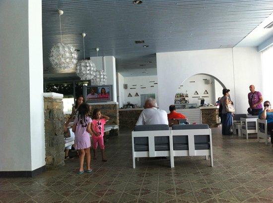 Tinos Beach Hotel: Lobby