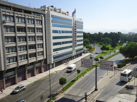 Anemon Izmir Hotel : vista da janela do quarto