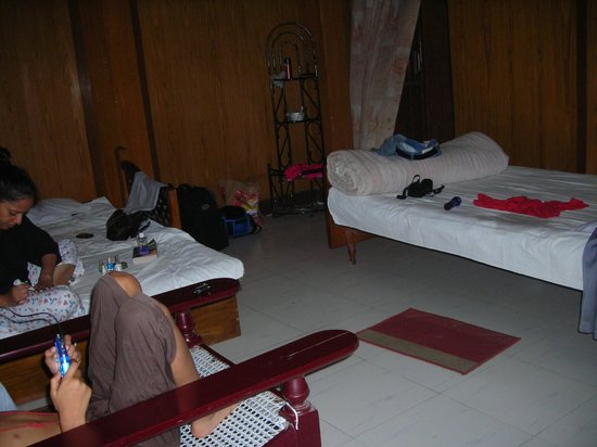 Samsing: room of the PWD bunglow chalsa