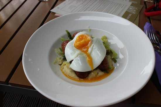 The Old Boathouse: Bangers and mash with extra fried egg