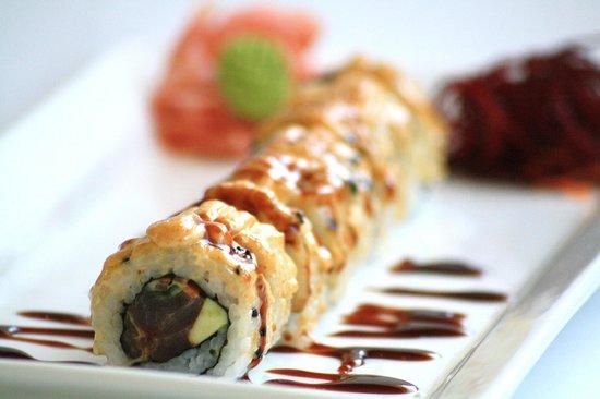 Cafe Gannet: Tuna Dynamite Roll Sushi