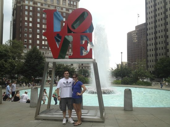 Free and Friendly Tours : Love Park