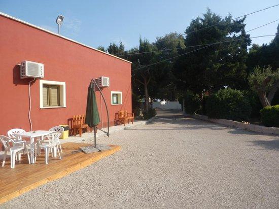 Villa Elisa : Vialetto di ingresso