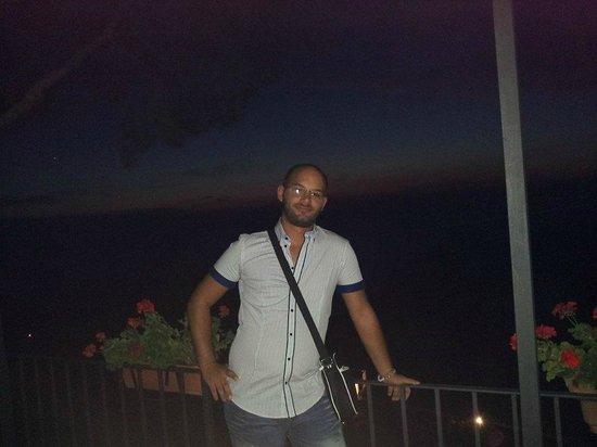 Alle Ginestre Capri Bed & Breakfast: Fuori la camera