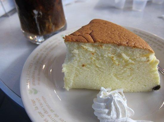 Rikuro Ojisan no Mise, Namba Honten: フワフワのチーズケーキ