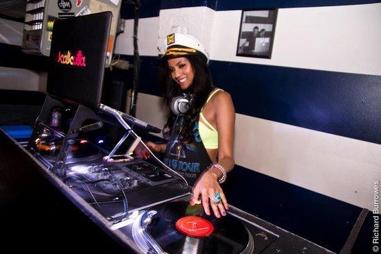 The Anchor: Even the DJ was pretty!