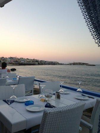 Marni Village: Beach restaurant