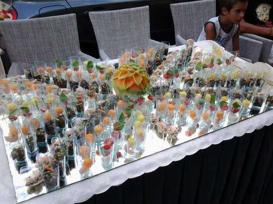 Hotel Plaza: buffet fi ferragosto