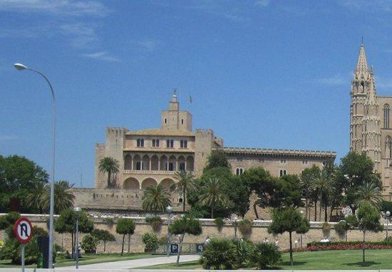 Palau de l'Almudaina : El palacio y su entorno.