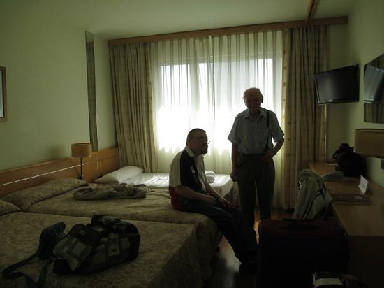 Eurohotel Diagonal Port: Triple bed room