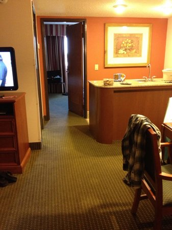 AmericInn Hotel & Suites Omaha: Nice having a suite!!