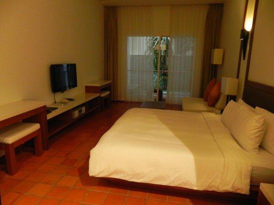 Nap Patong: Spacious room