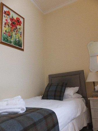 Glen Mhor Hotel & Apartments : 階段を上がったベッドスペース