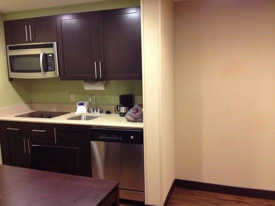 Homewood Suites by Hilton Orlando Airport: Kitchen
