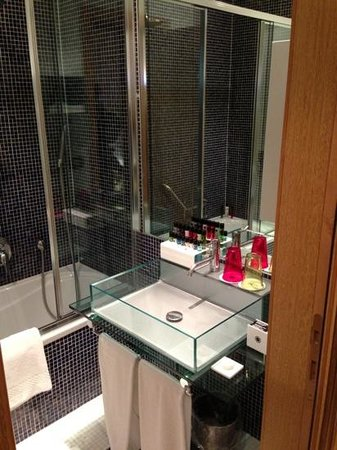 Aleph Hotel Rome: Not All the amenities are replaced