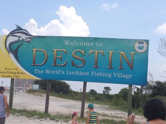 The Islander: Destin sign