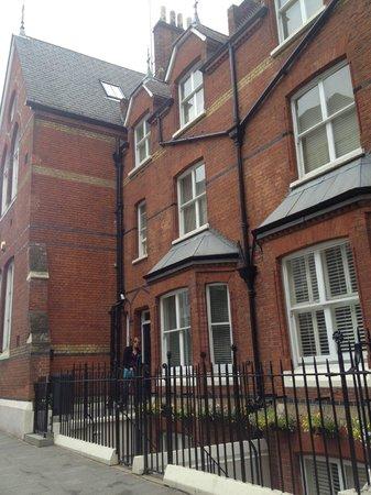 Lower Belgrave Street Apartments : красивый и удобный дом