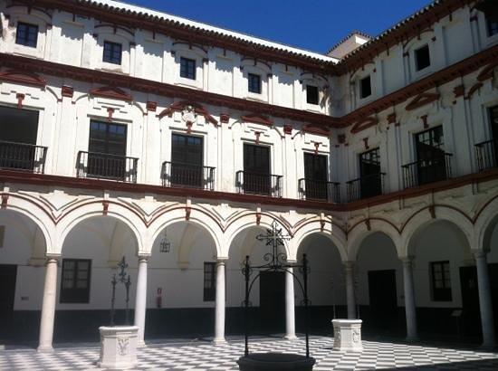 Hotel Convento Cadiz: inside