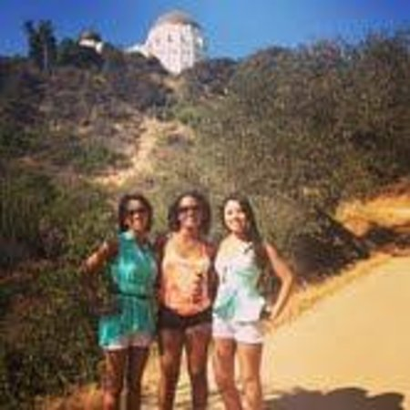 Hollywood Hills : Standing in front of the Griffith Observatory