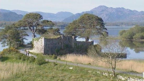 Lake Hotel: Ruined Castle